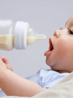 کم بودن شیر نوزاد