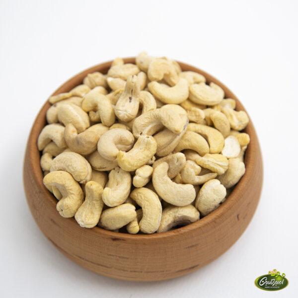 بادام هندی خام سایز۲۴۰   جوشونده